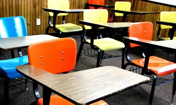 School desks_3546720242313864-159532