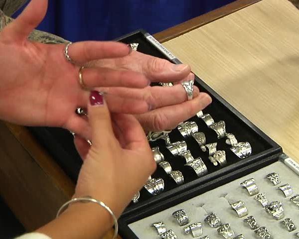 Hostfest Jewelry Making_04827368