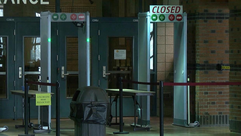 metal detectors_1522355995950.jpg.jpg