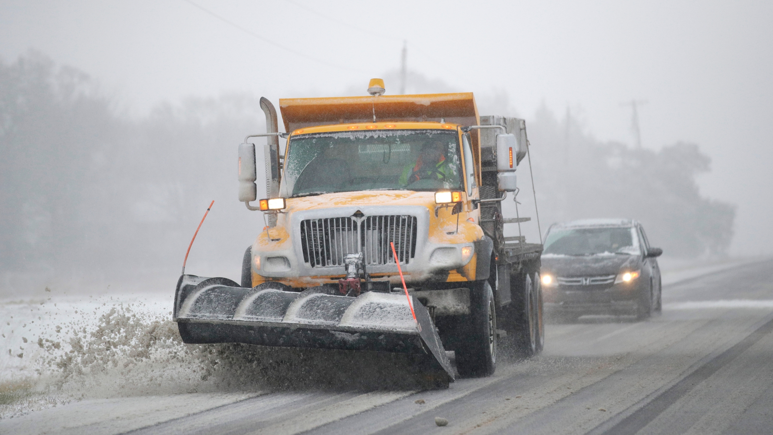 Midwest_Snowstorm_40629-159532.jpg69390798