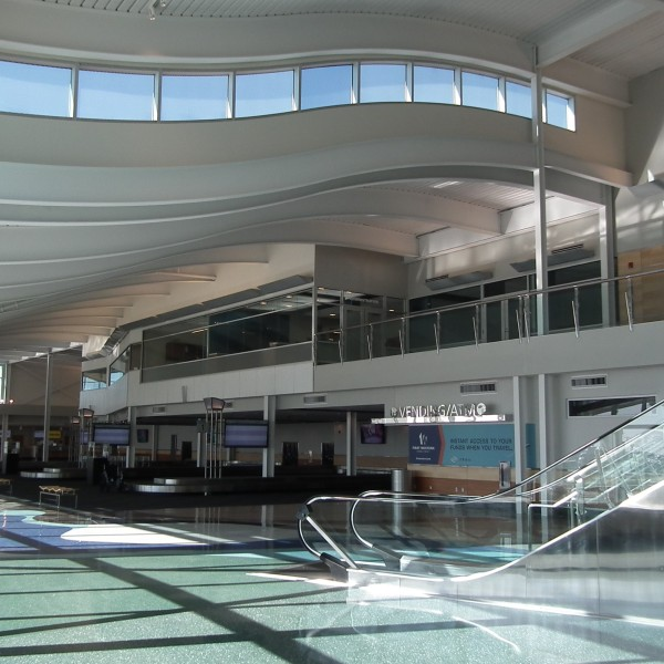 airport_terminal_minot_1545345518534.jpg