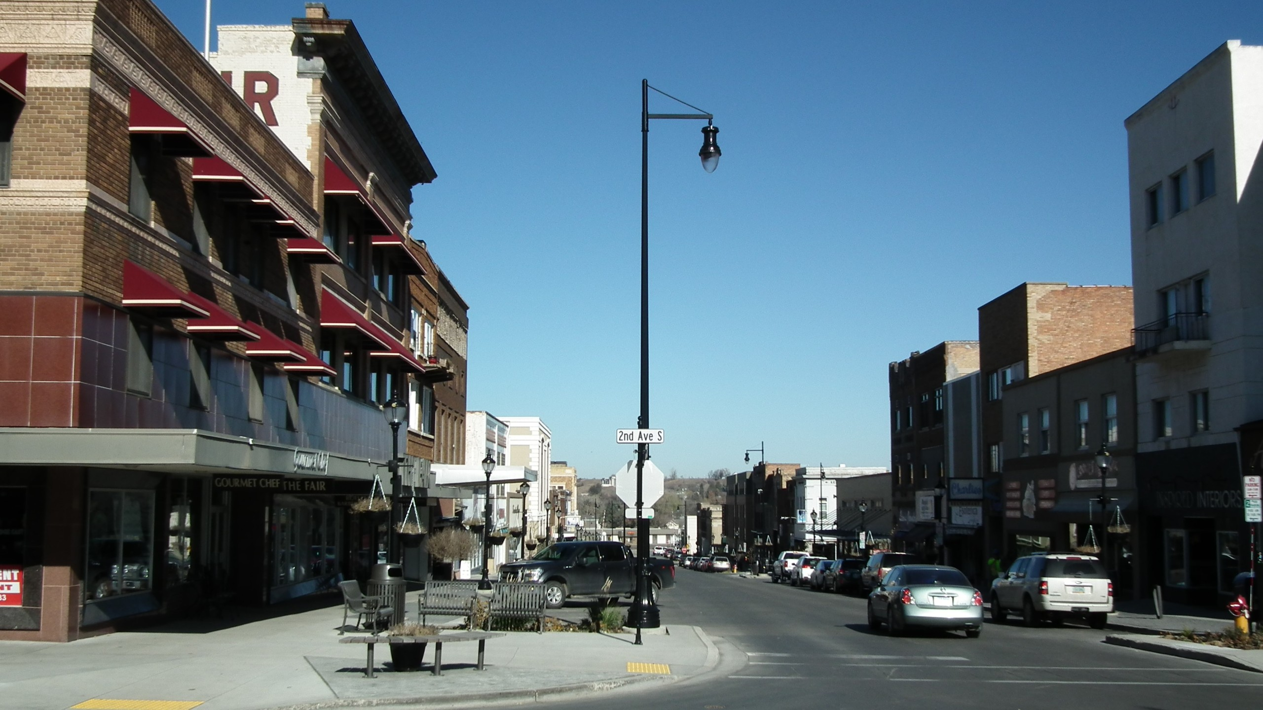downtownminot_1545152587164.jpg