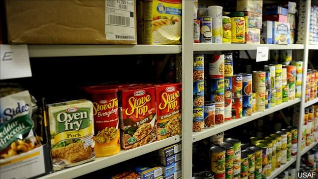 food_bank_mgn_640x360_80123B00-YYWEC_1545413334445.jpg