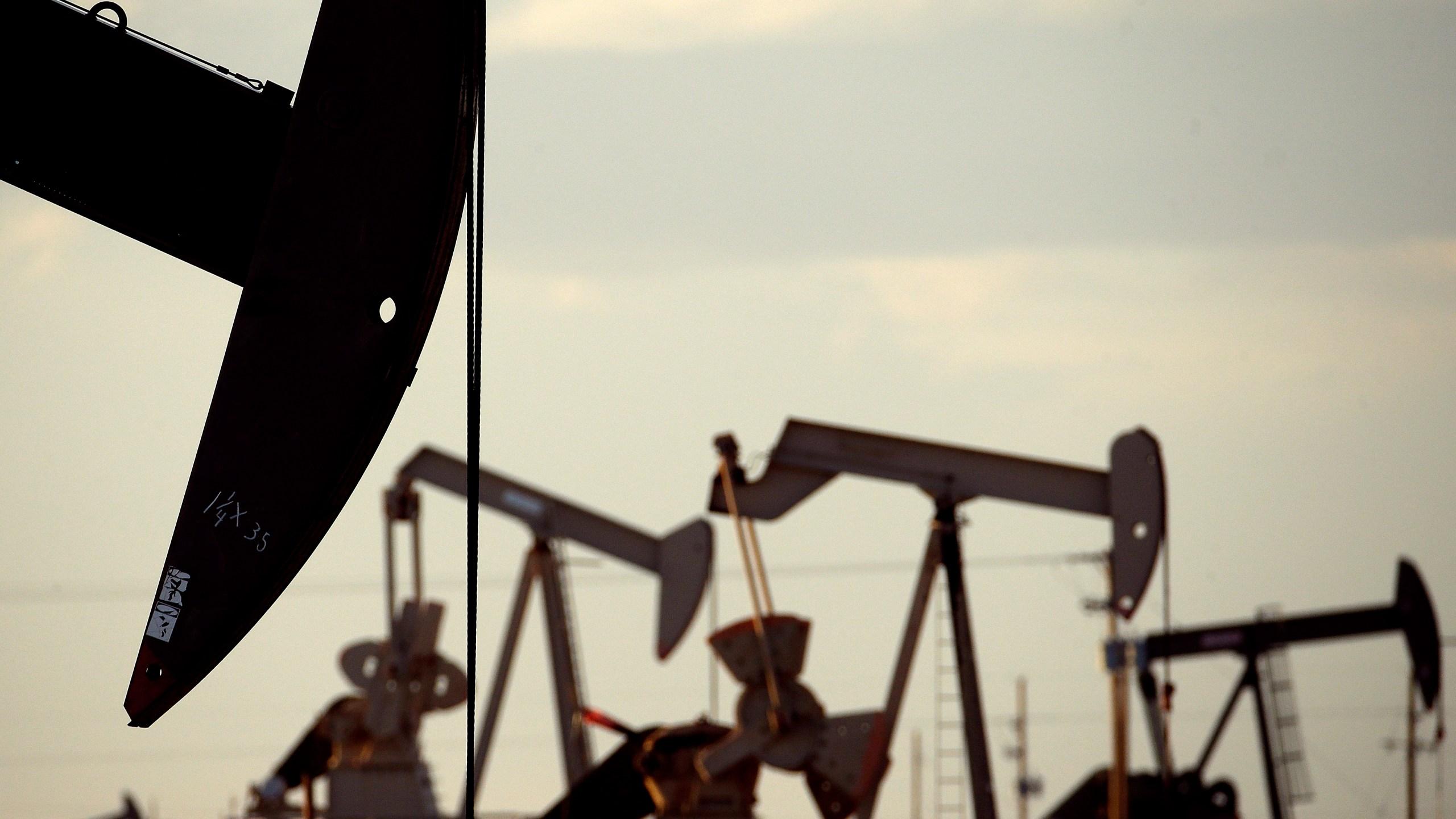Oil_Production_US_83314-159532.jpg99468387