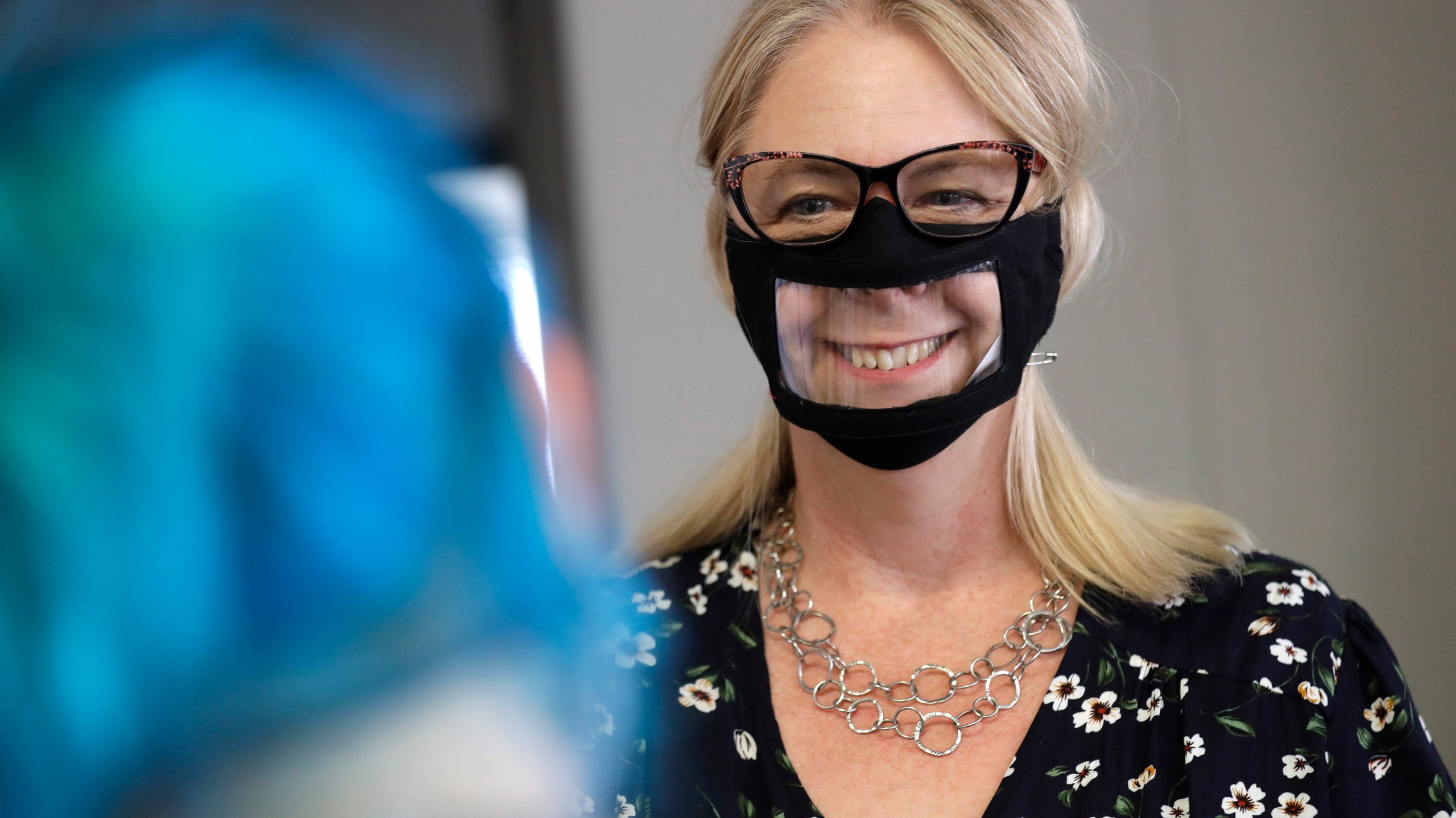 Face Masks With Windows Mean More Than Smiles To Deaf People Kx News
