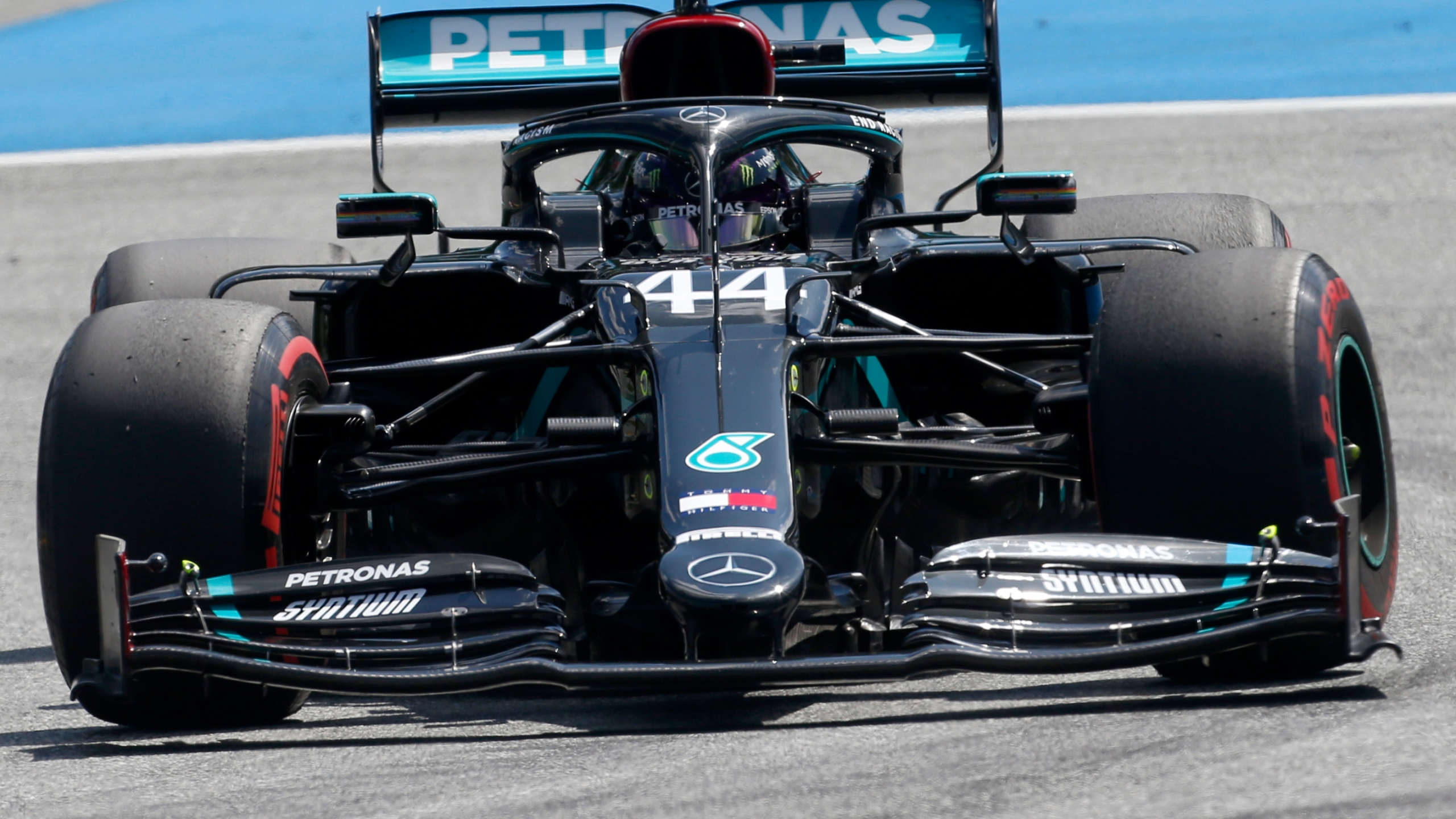 Bottas Shows He Can Handle Pressure In Winning Austrian Gp Kx News